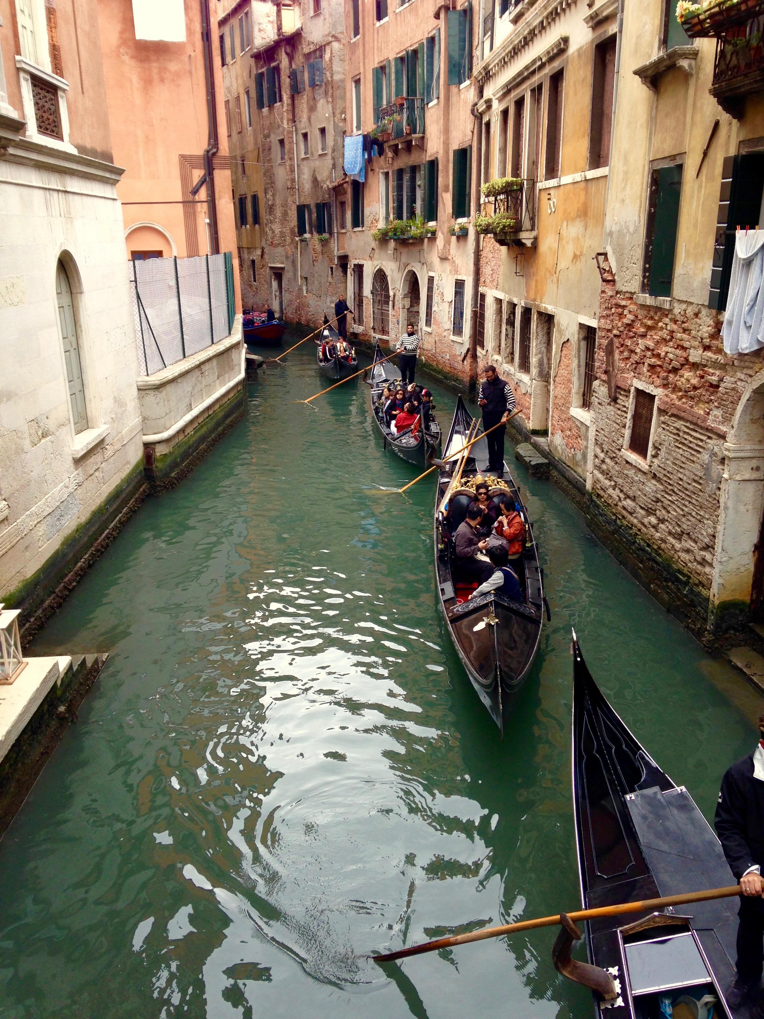 """alt=""""venice gondola"""""""