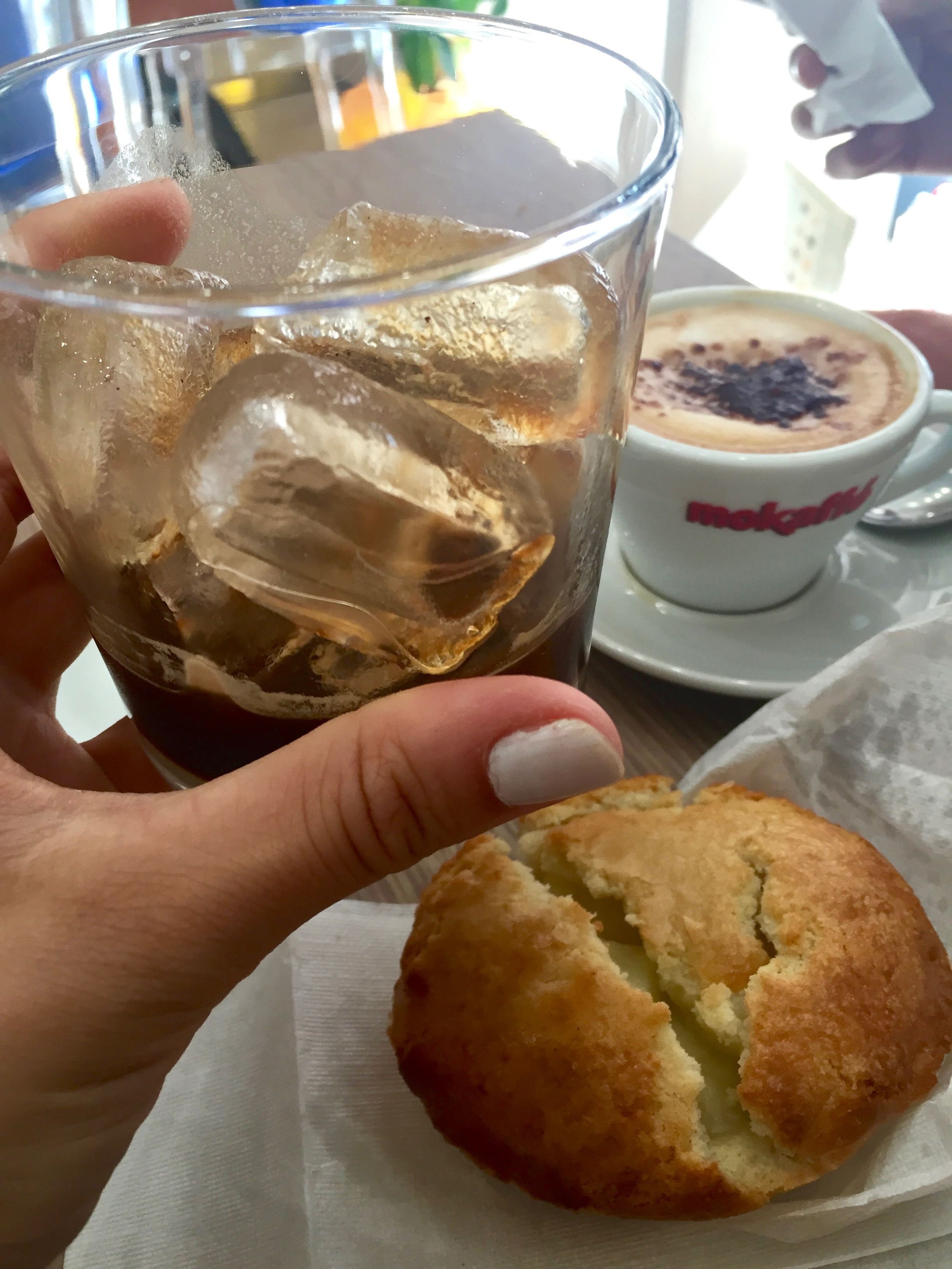caffe in ghiaccio; pasticciotto