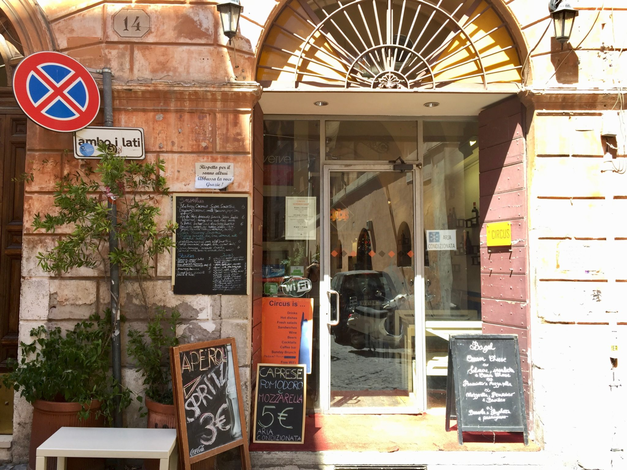 best wifi cafes rome