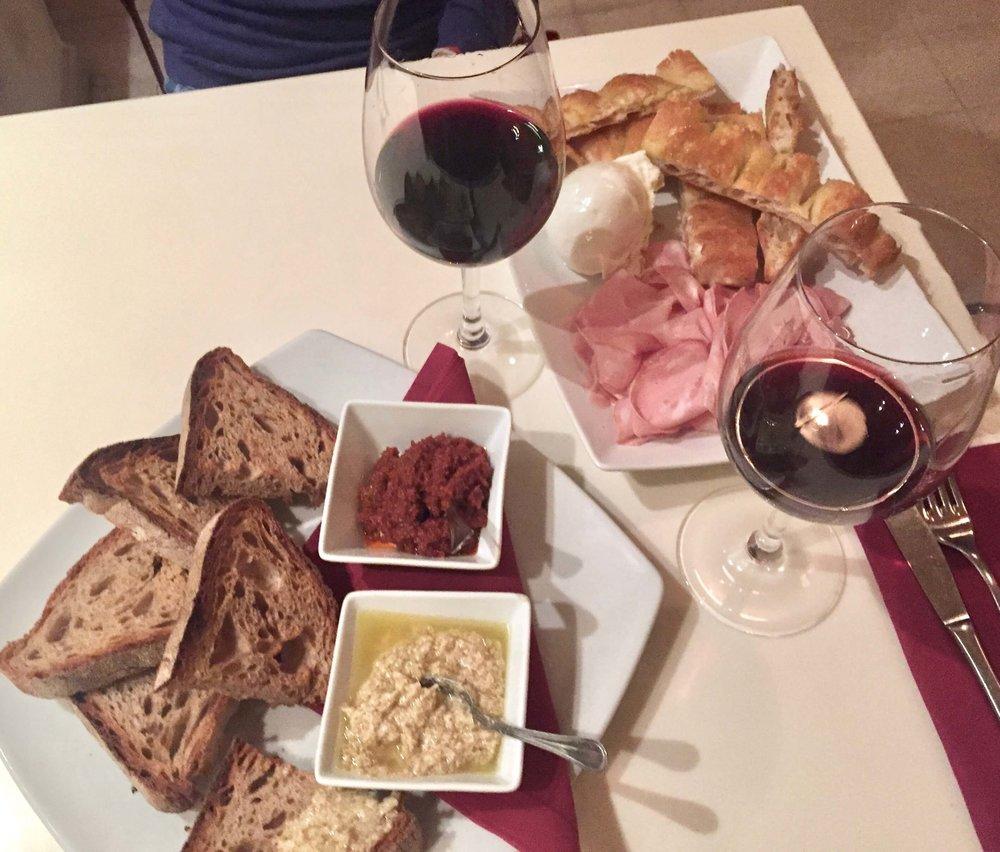 wine bar in Rome
