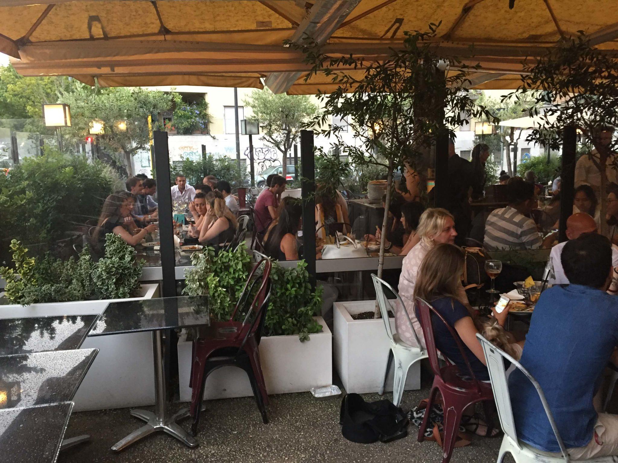 Best Aperitivo In Rome Momart Cafe La Vita Roma