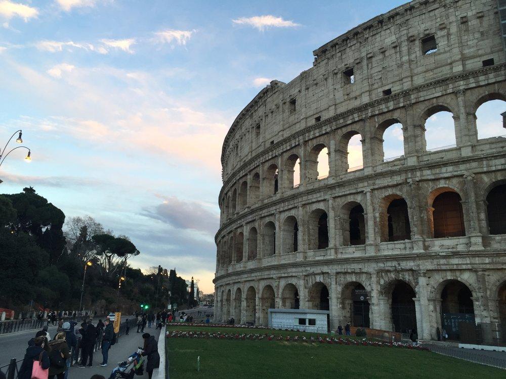 - And if you do decide to participate in la mia vita a Roma, grazie.