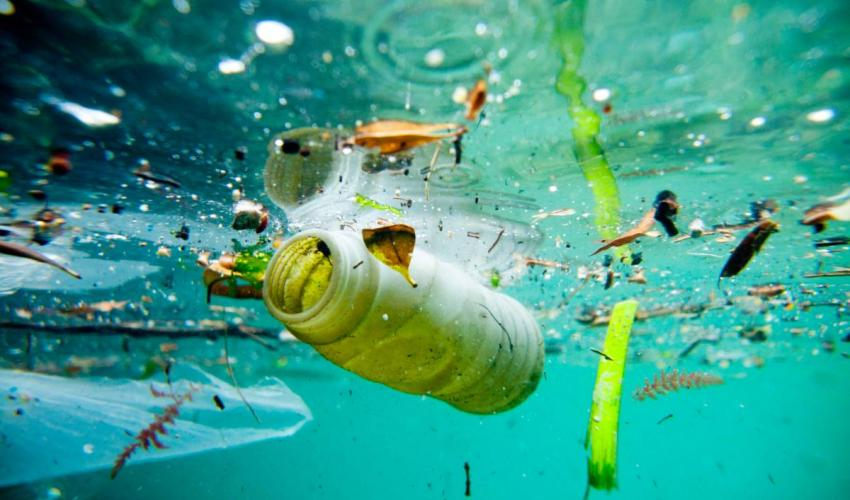 raceforwater_pollution_christophelaunayweb.jpg