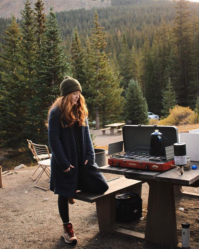 🌲🏕🌲This past week has been the most refreshing one yet since moving to Houston. It was slow and good. We spent the weekend in Denver camping for Michael's birthday ✨26✨ got to hangout with @hannahmeshelle and #DJ on Denver rooftops and lagree machines. Life needs more slow moments like these sometimes (a lot of times) ✨