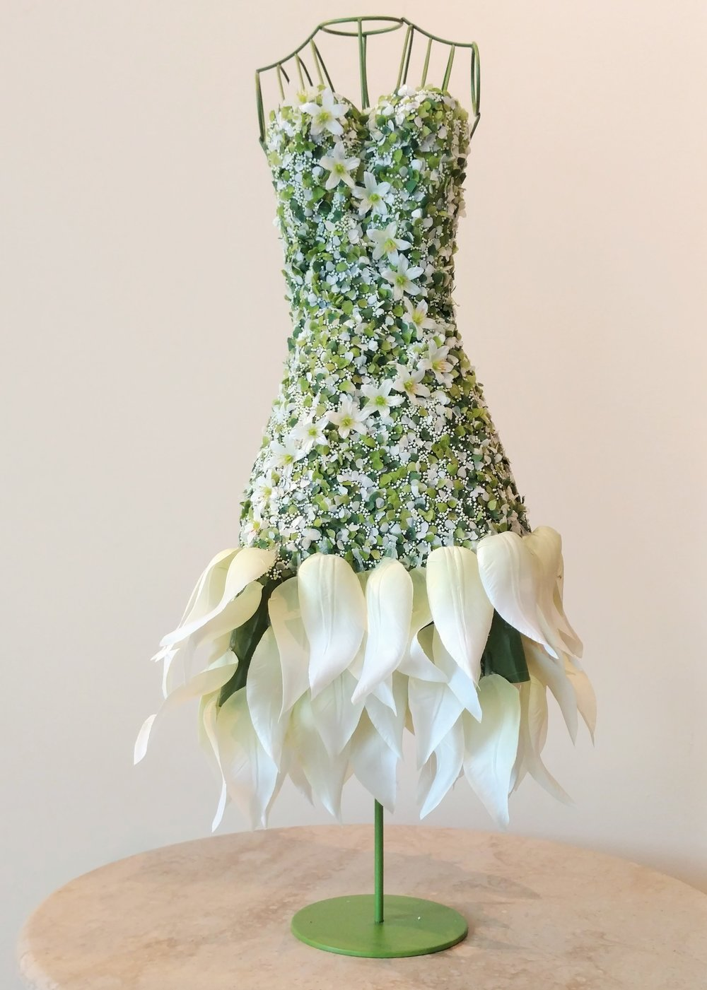 "21"" Flower Petal Wedding Dress"