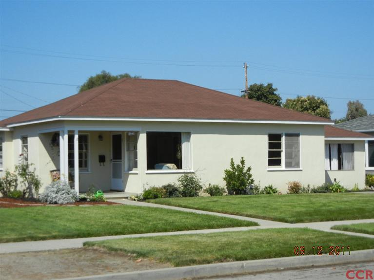233 South D Street, Lompoc, California 93436 3 beds 2 baths 1,288 sqft   REPRESENTED BUYER - $190,000 SOLD in 2012