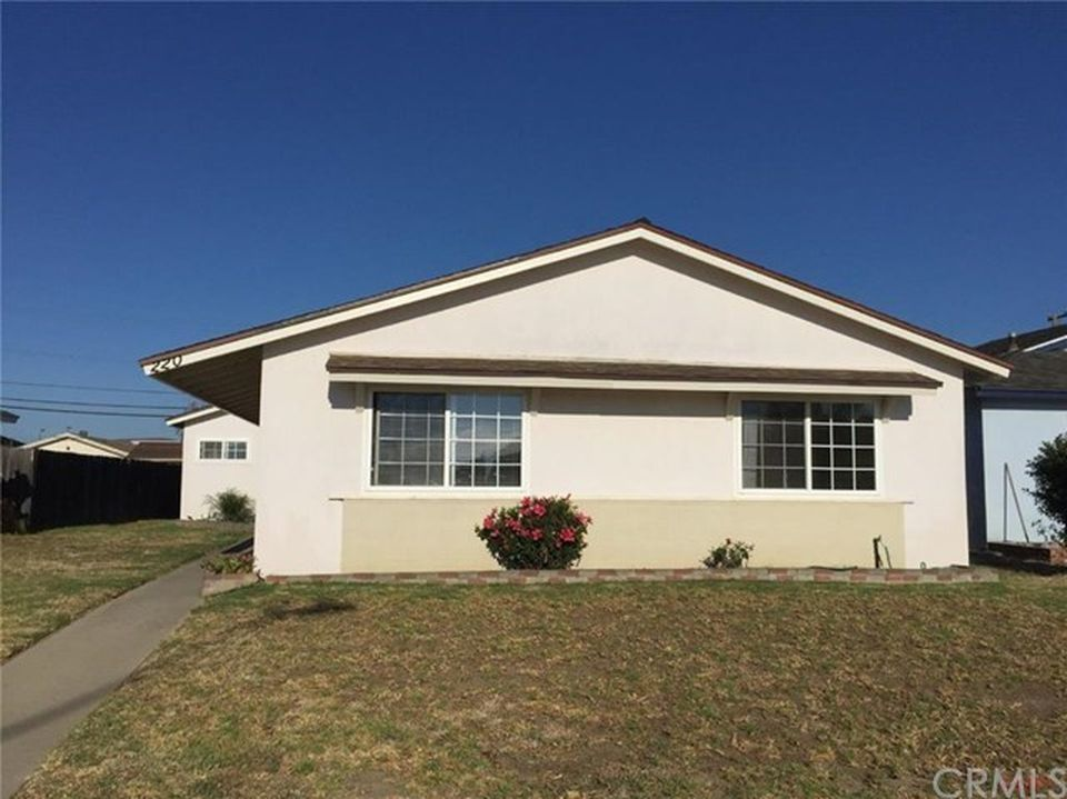 220 North 6th Street, Lompoc, California 93436 3 beds 2 baths 1,274 sqft   REPRESENTED BUYER - $326,000 SOLD in 2016