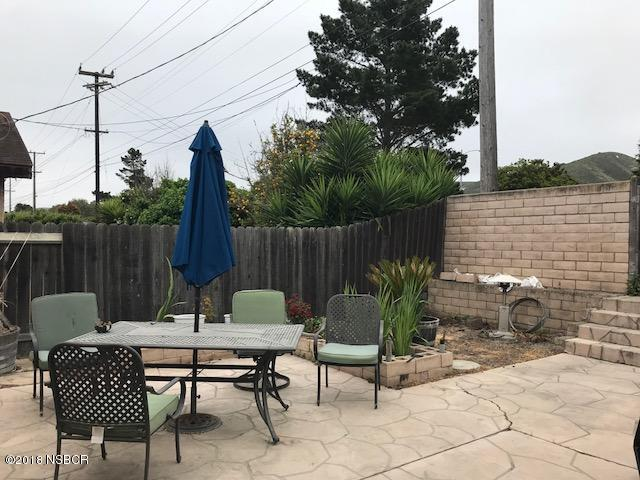 1300WestLime_back_patio.jpg