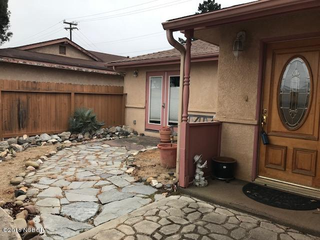 1300WestLime_front_patio.jpg
