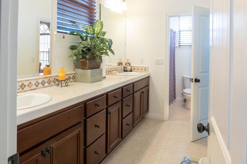784MercuryAvenue_Bathroom2.jpg