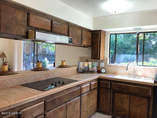 525-South-E-Street_Kitchen.jpg