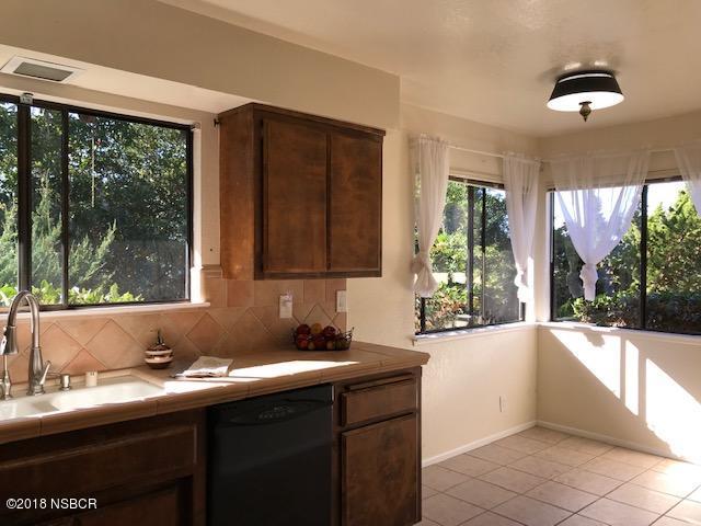 525-South-E-Street_Kitchen3.jpg