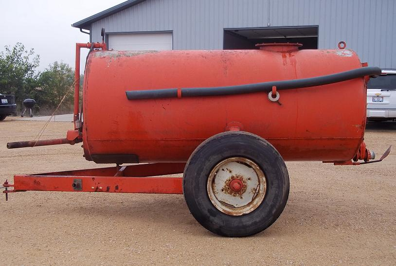 typical small manure tanker.jpg