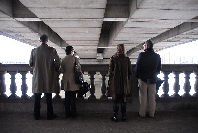 2010_Surround_Me_at_LONDON_BRIDGE_photo_by_Rebecca_Garland1.jpg