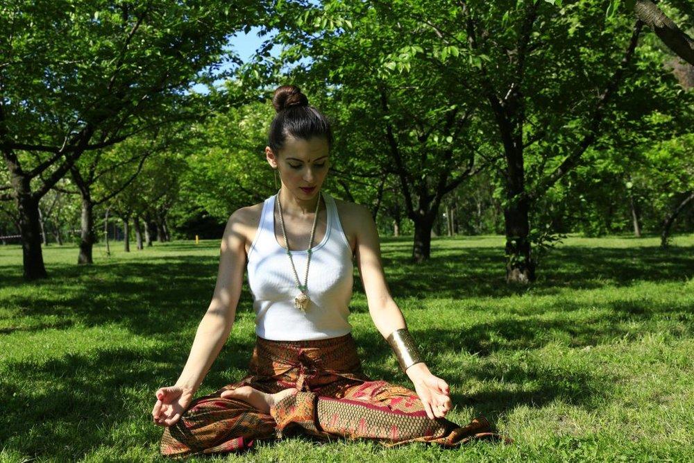 Cum-sa-ajungi-o-yoga-girl_Laura-Calin_lauracalin.ro-6-1024x683.jpg