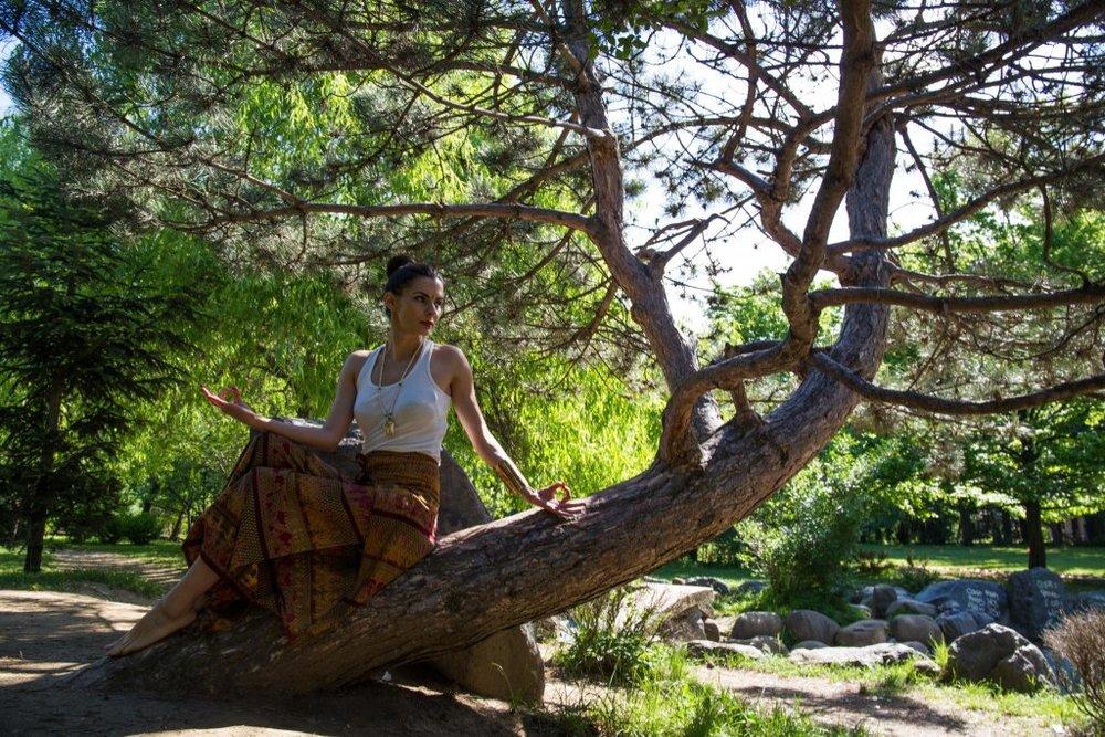 Cum-sa-ajungi-o-yoga-girl_Laura-Calin_lauracalin.ro-4-1024x683.jpg