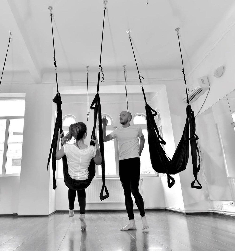 Yoga Air cu Mircea Nicoara Yoga Day.jpg