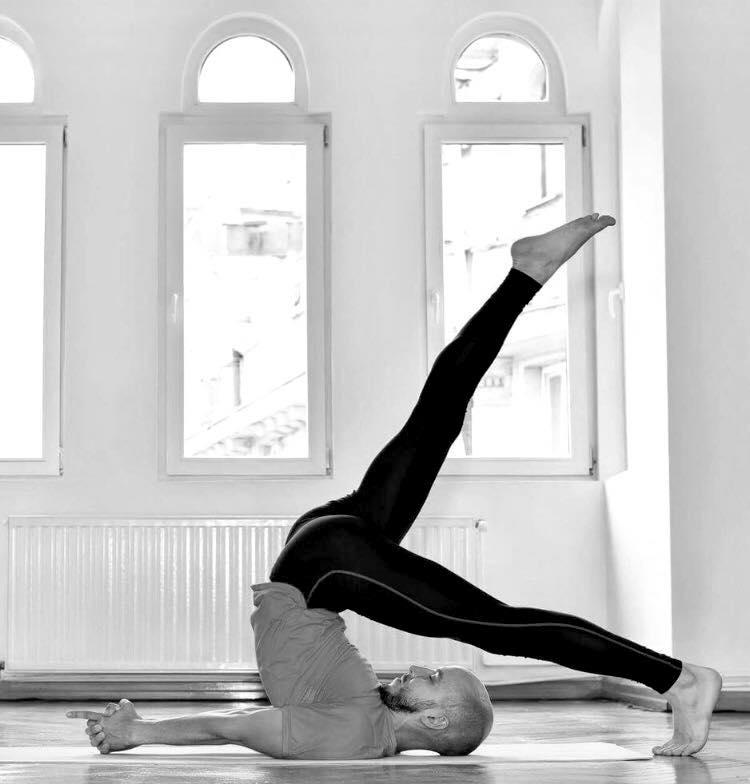 Micea Nicoară Hatha Yoga.jpg