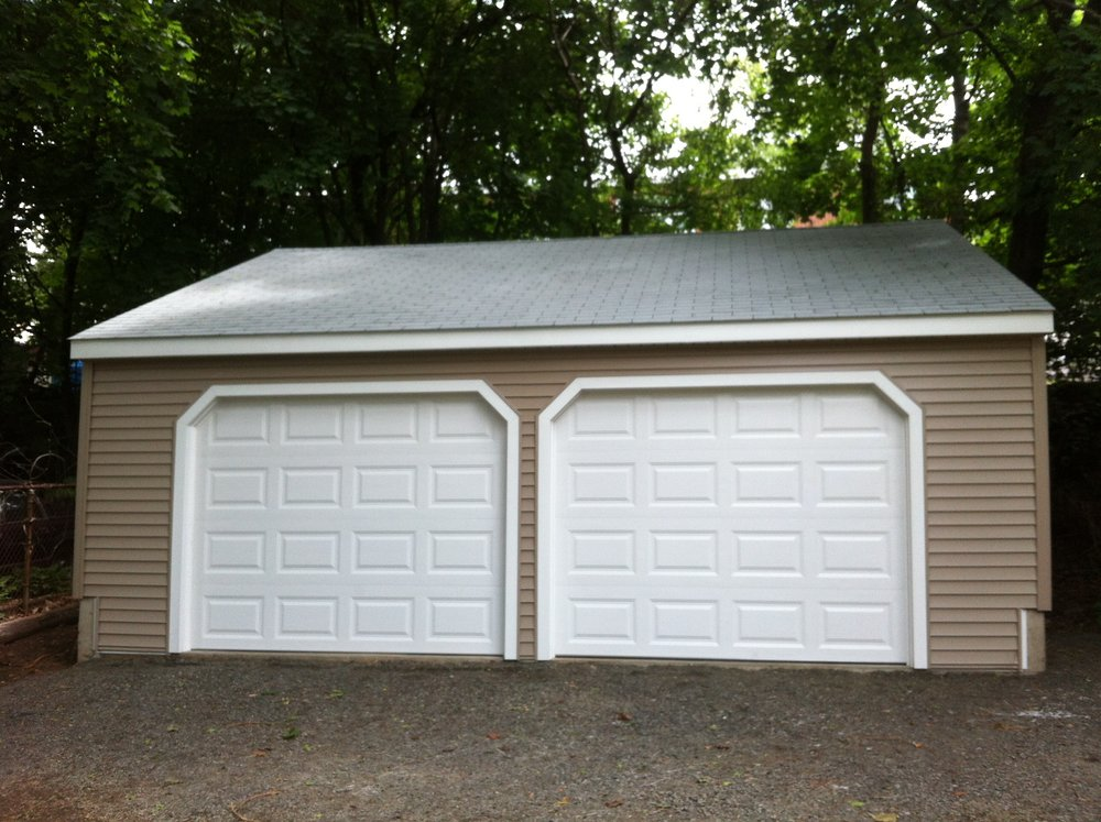 Wedgewood Two Car Garage 17