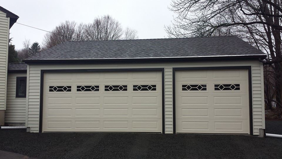 Wedgewood Three Car Garage 22