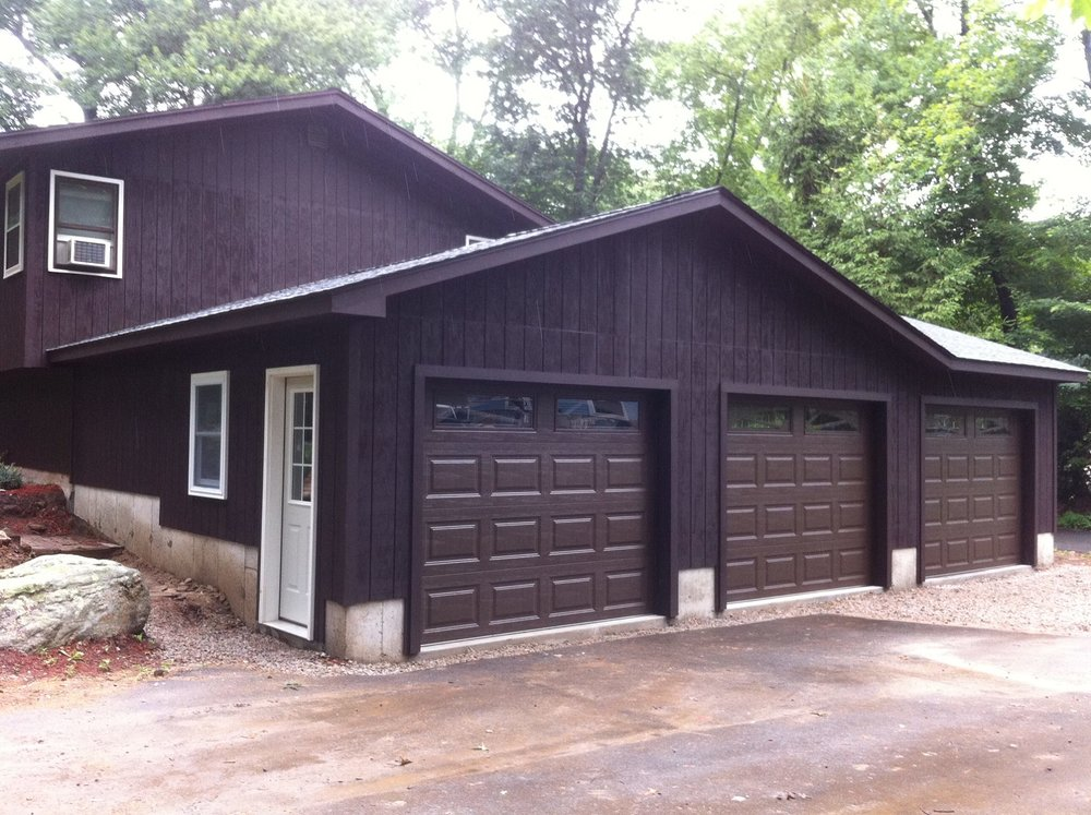 Wedgewood Three Car Garage 23