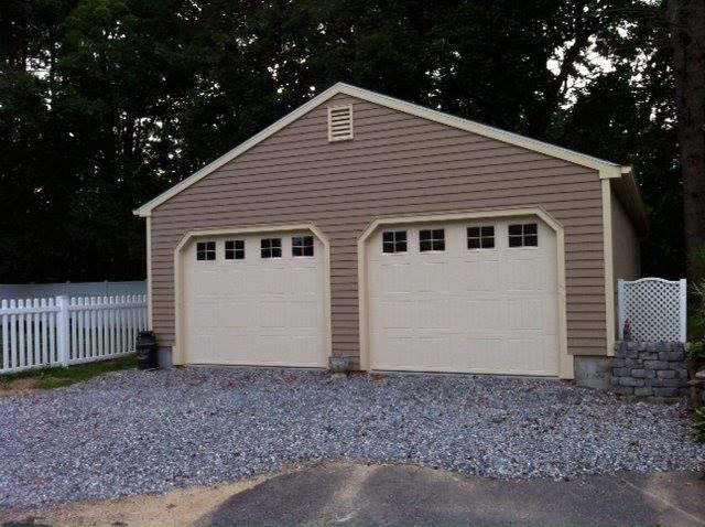 Wedgewood Two Car Garage 29