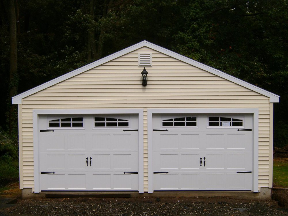 Wedgewood Two Car Garage 31