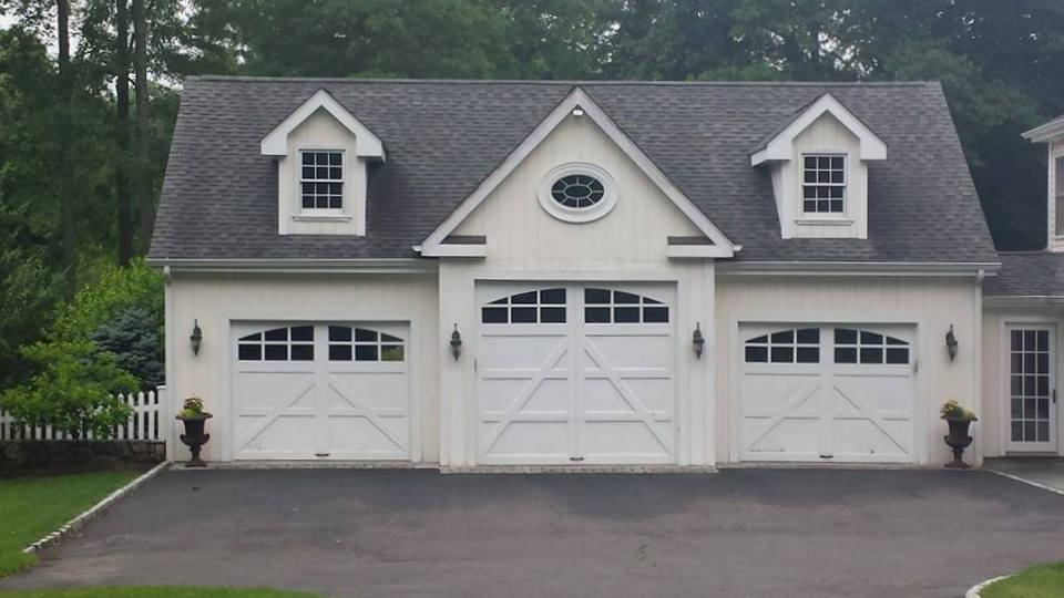 Windsor Garage Three Car With Dormers 10