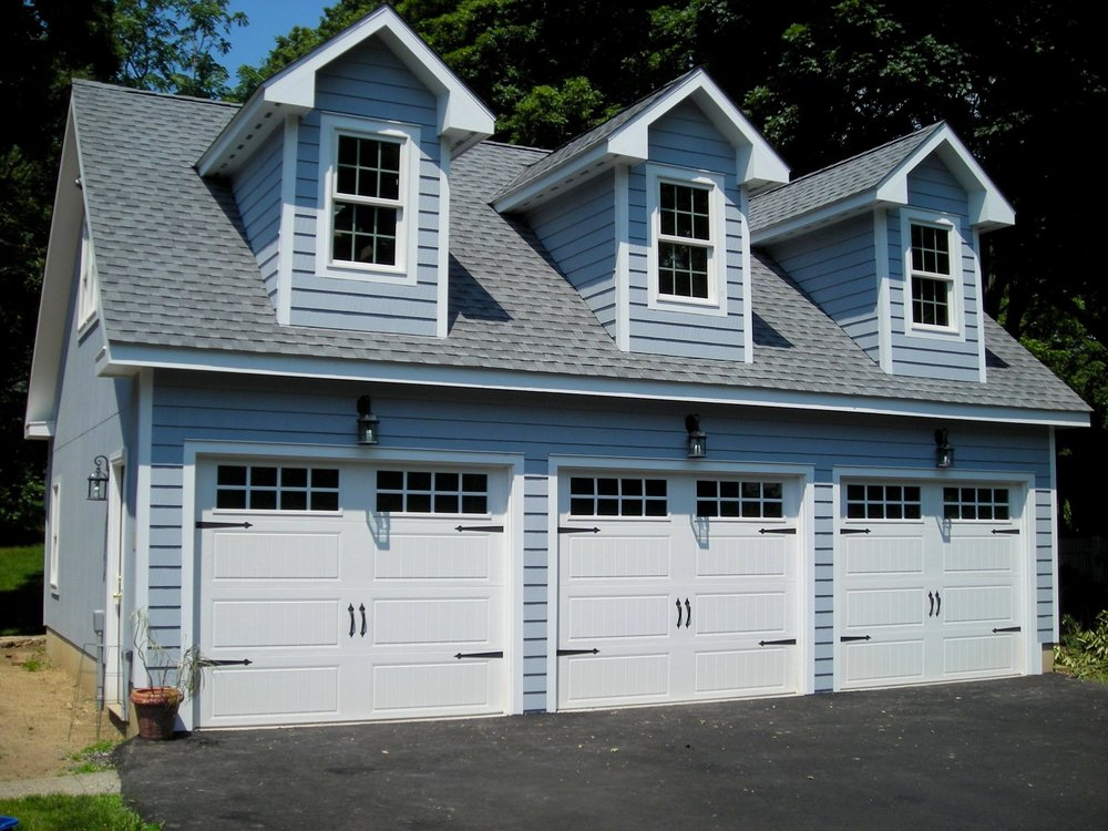Windsor Garage Three Car With Dormers 9