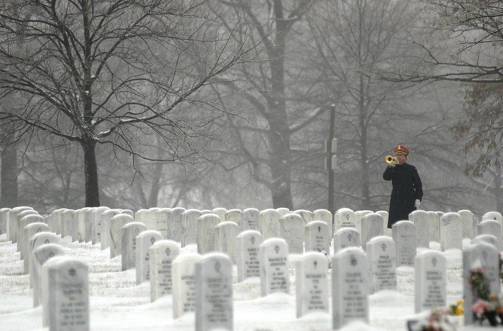 arlington-national-cemetery-79576_1920.jpg