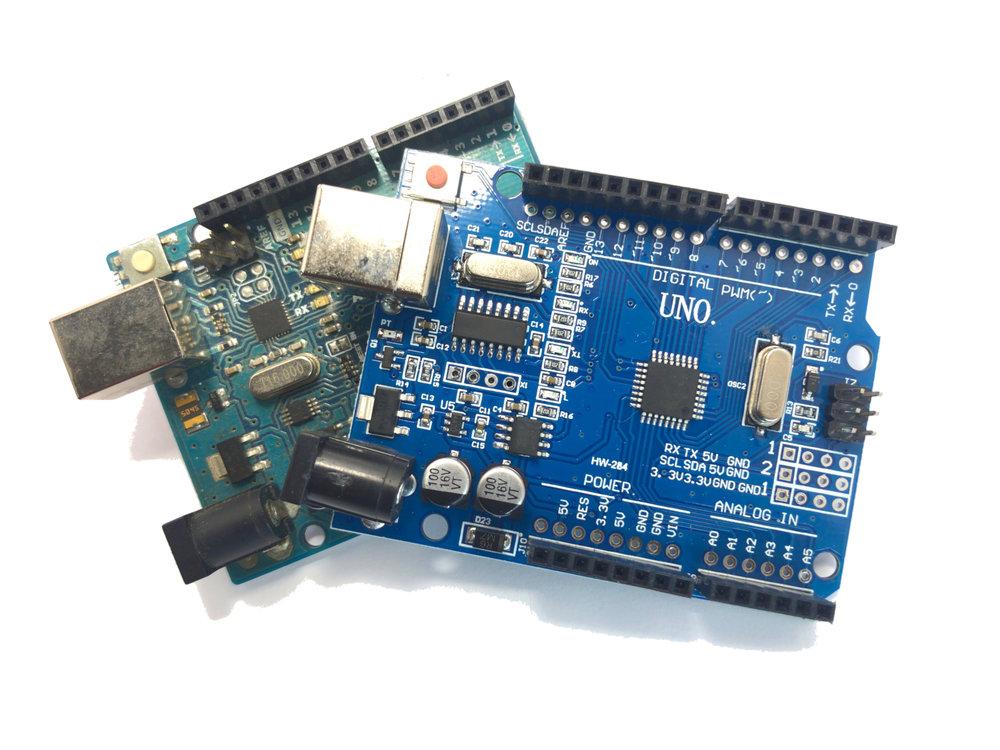 arduino-uno-rev3-vs-uno-ch340-blog.jpg