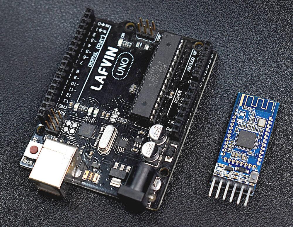iOS and Arduino Bluetooth Communication Using The BLExAR App