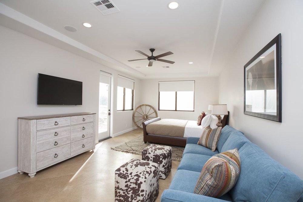 guestroom7.jpg