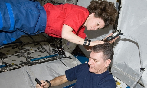 inline_Haircut_in_Space.jpg