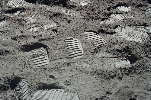 inline_MOON_STEPS_APOLLO_17.jpg