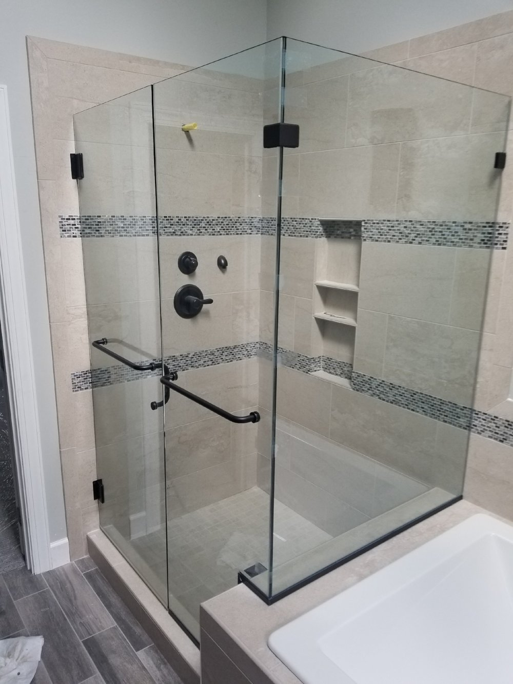 90 degree Heavy Frameless Shower Enclosure    #CCG