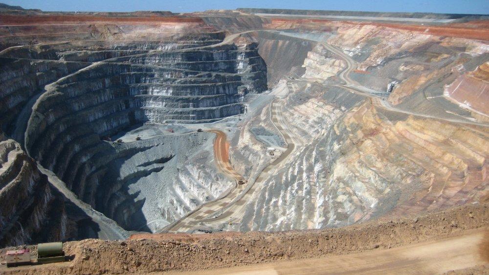 An open pit diamond mine