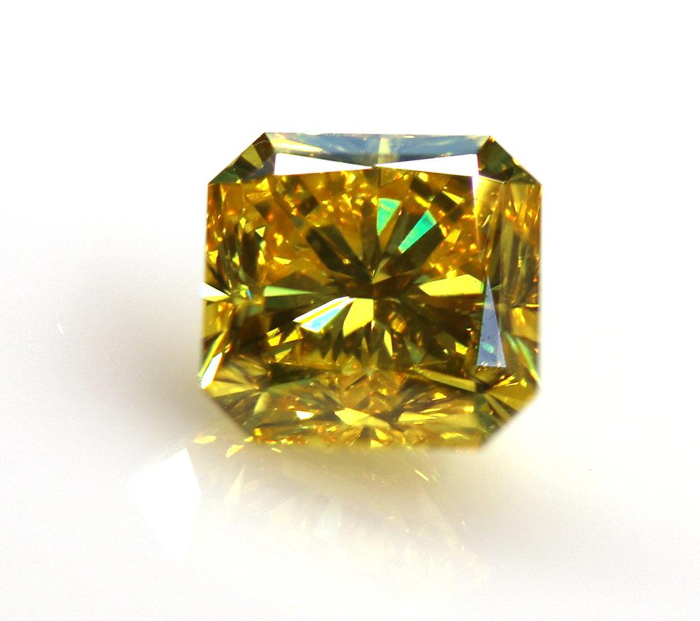 Fancy Vivid Yellow Radiant Cut Diamond