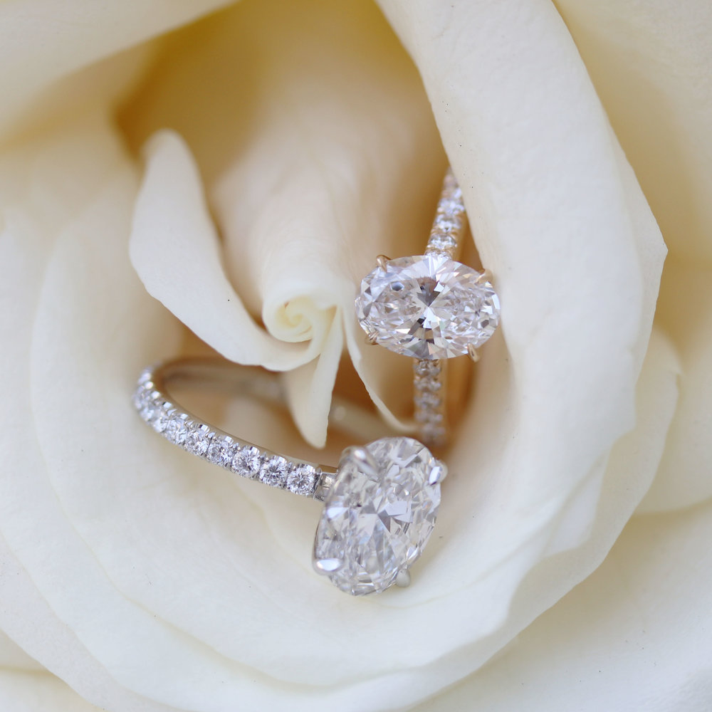 Oval Cathedral Pavé Setting -