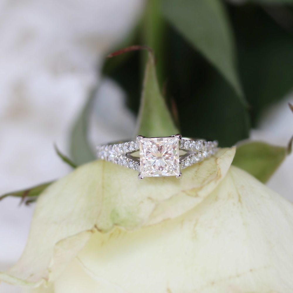 princess-lab-diamond-split-shank-platinum.jpg