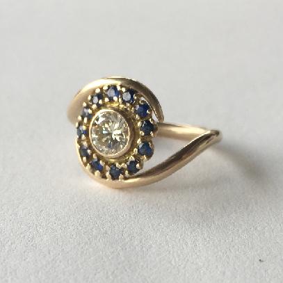engagement ring   diamond, sapphires, 18k gold