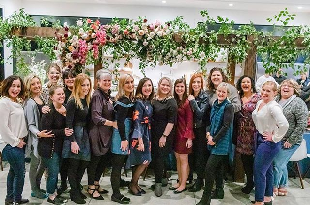 What an amazing experience the #soignéretreat was! I was able to design amazing florals with these beautiful women and relax, unwind, and recharge!  @annafilly #annafillyphotography @dwellvacations @modernday.creative @moderndayeventsfloral  @unveilworkshop  @thechefandwife @passionflowersue  @lolagracecalligraphy  @westelm @rentalsicandy  @eventtheorymi  #SoignéRetreat #UnveilWorkshop  #DwellVacations  #PrimroseProperty  #AppleBlossomProperty