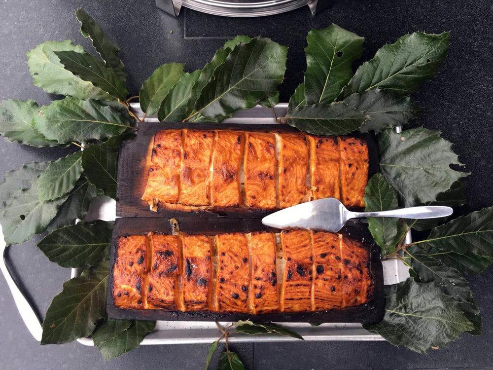 salmon-glaseado-mostaza-tabla-cedro-3.jpg