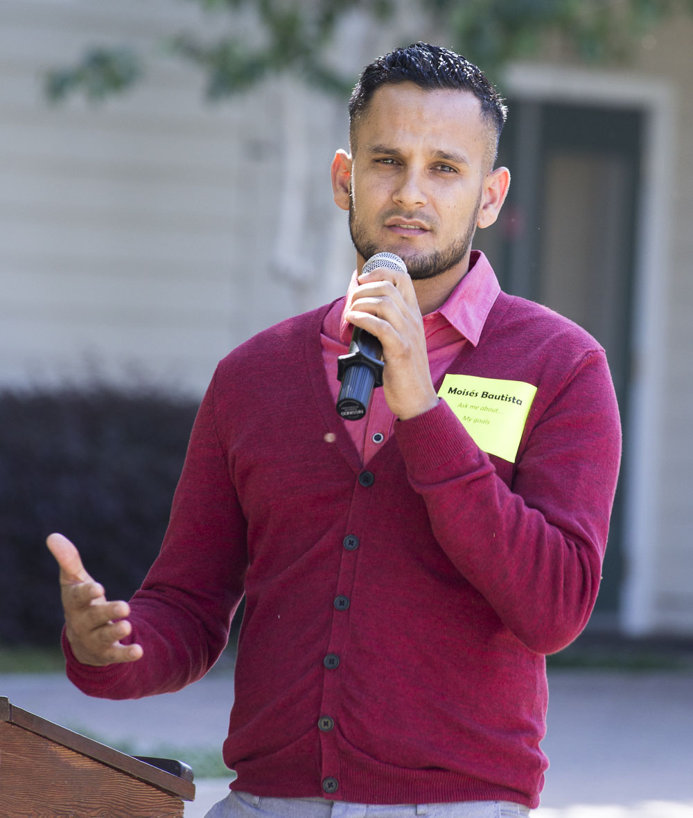 Student speaker Moises Bautista