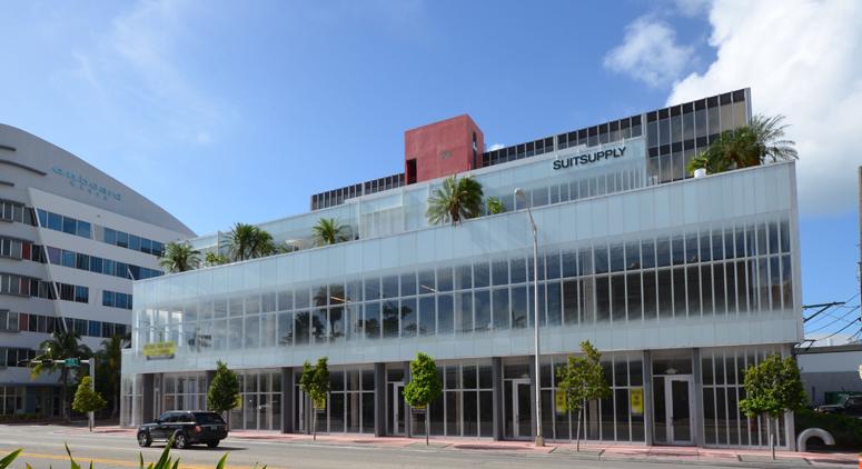 SuitSupply    ±4,200 sf   1000 17th Street | Miami Beach