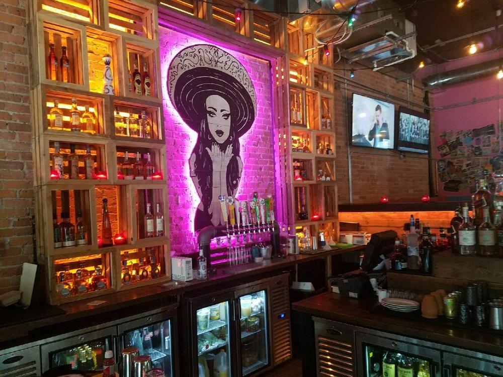 Pink Taco    ±9,600 sf   431 N Wells Street | Chicago