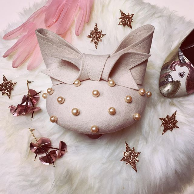 For all you glamour pusses out there... Pearl is a fairytale dream, available in a multitude of colour ways to suit your style ✨ paired here with unicorn pumps from @ASOS, twinkly @topshop earrings and vintage gloves, she is the perfect complement to any outfit 🌸 tap the photo to view on my website!  #millinery #hat #hatmaker #millinerycouture #flatlay #hattalk #millinersofinstagram #eventswear #prettyinpink #pink #thinkpink #asos #unicorn #topshop #stars #pinkgloves #ootd #occasionwear #outfitinspo #fluff #cute #photooftheday #bow #handmade #madebyme #heytheremaker