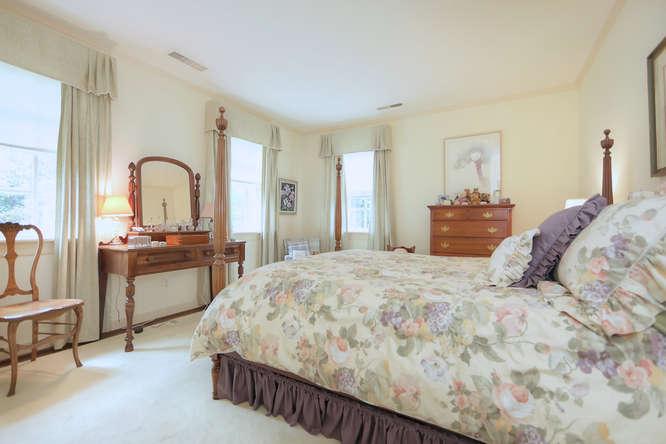 811-Old-Trents-Ferry-Rd-small-054-55-Bedroom-3-666x444-72dpi.jpg