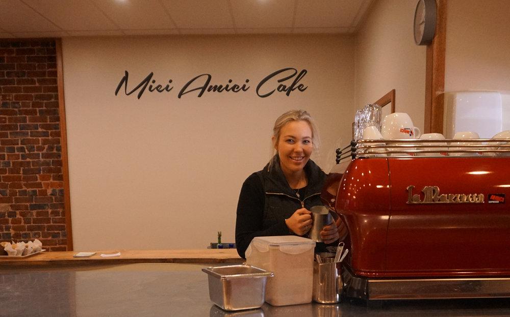 MieiAmici-CoffeeMachine2.jpg