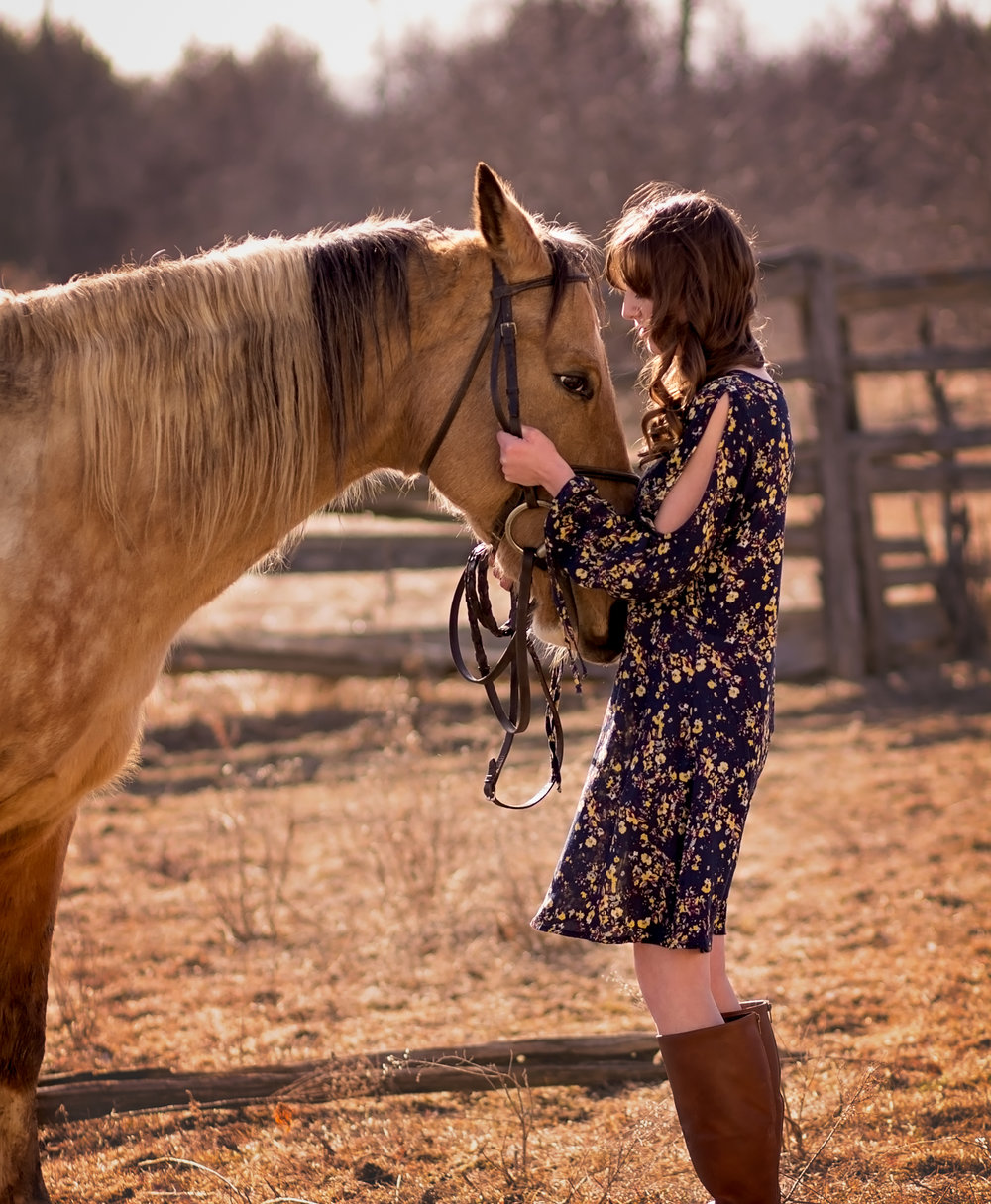 girl with horse  belleville family photographer